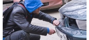 Автомошенники стали снимать иностранные номерные знаки с автомобилей