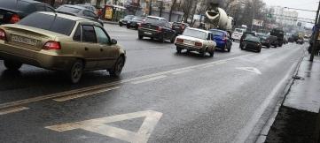 Полосы для общественного транспорта хотят отдать частникам